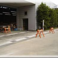 雨水の浸入防止に排水用の側溝設置